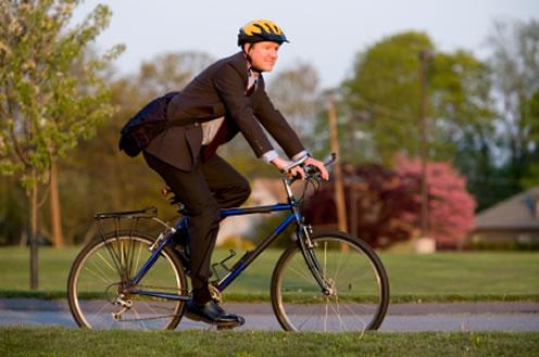 Jak zmienić dętkę i założyć koło w rowerze?